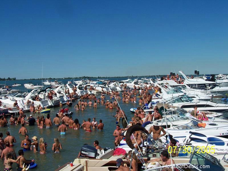 party cove boat party at muscamoot bay
