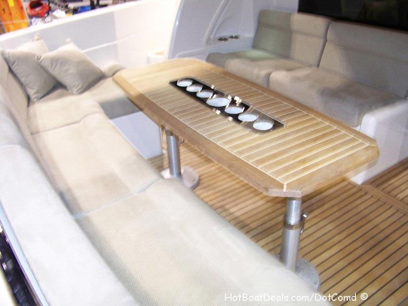 Riviera 4400 Sport yacht Aft bench seats and Table